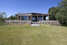 Gallery of The Plinth House / Luke Stanley Architects - 6