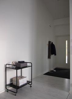 Hannas Home / hallway / modern home / Ellos Morris Scandinavian Design, Neutral Colors, My House, Minimalist, Desk, Lifestyle, Interior, Modern, Furniture