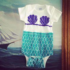Mermaid print onesie, mermaid print, mermaid bodysuit door MadebyCharlotteG op Etsy https://www.etsy.com/nl/listing/223787764/mermaid-print-onesie-mermaid-print
