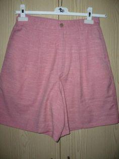 Roze korte broek Maat S/M Prijs: € 3,00