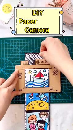 Teacher Discover DIY Paper Camera Toy For Kids Easy handmade toy tutorial. Diy Crafts Hacks, Diy Crafts For Gifts, Paper Crafts For Kids, Diy Crafts Videos, Diy For Kids, Craft With Paper, Paper Flowers Craft, Diy Projects, History Projects