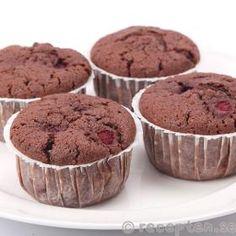 Chokladmuffins med hallon med florsocker Fika, Brownies, Food And Drink, Cupcakes, Breakfast, Desserts, God, Cake Brownies, Morning Coffee