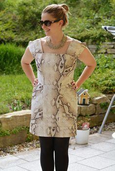 DIY Kleid mit Snakeprint
