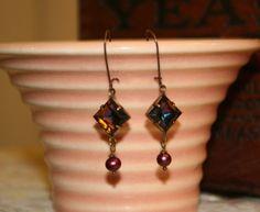 Vintage Czech glass earrings featuring 10mm square Heliotrope jewel.  Tilliegirlstudio