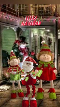 Christmas Vases, Merry Christmas Images, Peanuts Christmas, Christmas Scenes, Christmas Pictures, Christmas Greetings, Christmas Holidays, Christmas Crafts, Xmas