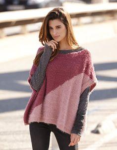 Met dit breipatroon voor een poncho maak je in een handomdraai een mooi winters artikel. Dit patroon is geschikt voor beginners.