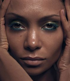 Thandie Newton: ABSOLUTELY GORGEOUS!!!