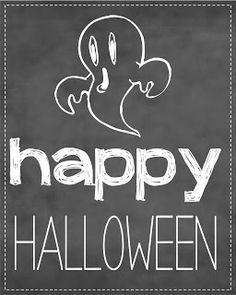 8x10 Chalkboard Halloween Signs {FREE Printable}