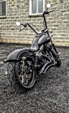Harley-Davidson Street Bob Customized I love this!