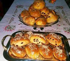 Greek Desserts, Greek Recipes, Food Gallery, Bread Cake, Cinnamon Rolls, Cake Cookies, No Bake Cake, Finger Foods, Baked Goods