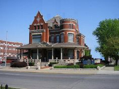 funeral home in lafayette, indiana...always loved the look of this place