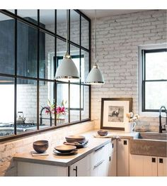 """For a small kitchen """"spacious"""" it is above all a kitchen layout I or U kitchen layout according to the configuration of the space. Home Decor Kitchen, Kitchen Furniture, New Kitchen, Kitchen Interior, Kitchen Dining, Coastal Interior, Small Home Interior Design, Wood Furniture, Glass Kitchen"""