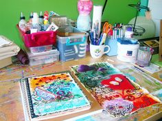 lots of art journaling ideas and tips! Art Journal Pages, Art Journals, Journal List, Junk Journal, Journal Prompts, Mixed Media Journal, Mixed Media Art, Free Doodles, Art Journal Tutorial