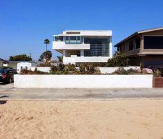 Lovell Beach House. 1926. Newport Beach, Los Angeles, California. Richard Neutra.