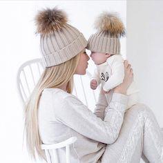 ママと赤ちゃんカラーマッチングニットキャップ帽子暖かいフリースかぎ針編みビーニー帽子冬のミンクポンポン子供子供ママ帽子帽子キャップ