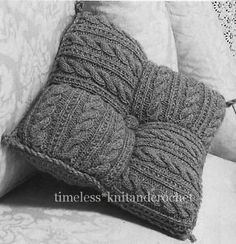Vintage Knitting Pattern for Patchwork Cushion From Squares - 250 Grams of Aran ., Kissen Vintage Knitting Pattern for Patchwork Cushion From Squares - 250 Grams of Aran . Knitted Cushion Covers, Knitted Cushions, Knitted Blankets, Sweater Pillow, Crochet Pillow, Cable Sweater, Vintage Knitting, Hand Knitting, Crochet Home