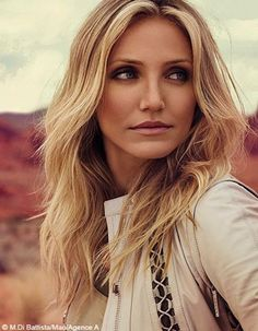 Cameron Diaz hair and makeup Cameron Diaz Hair, Cameron Dias, Natural Hair Styles, Long Hair Styles, Blonde Balayage, Hair Dos, Mannequins, Models, Her Hair