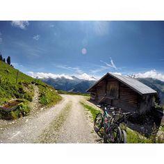 alpine cruising  #zillertal #mountains #sundayride #summer #awesome #view #outdoorfun @darcywatts