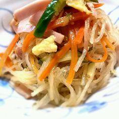初めて、くららさんのレシピに挑戦です(*^^*) 調理過程に無駄がなく、簡単にできて美味しかった~♪ 子供たちも、完食♪ こらからの季節にもってこい♪ 美味しかったです(*^^*)  素敵レシピありがとうございます(*^^*)♪ - 93件のもぐもぐ - klalaさんのあっとゆーま中華春雨サラダ⭐ by kanomama