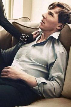 Benedict Cumberbatch of Sherlock fame. Such talent and good looks. Benedict Sherlock, Sherlock Bbc, Watson Sherlock, Jim Moriarty, Sherlock Quotes, Johnlock, Martin Freeman, Gorgeous Men, Beautiful People
