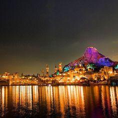 Reflections on the harbor.  冬の澄んだハーバーもまた♡ #mediterraneanharbor #tokyodsineysea #tokyodisneyresort #reflections #nightview #メディテレーニアンハーバー #東京ディズニーシー #東京ディズニーリゾート #夜景