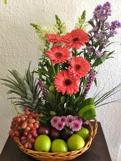 Fruit Flower Basket, Fruit Flowers, Exotic Flowers, Flower Boxes, Beautiful Flowers, Hanging Flower Baskets, Basket Flower Arrangements, Ikebana Arrangements, Fruit Arrangements