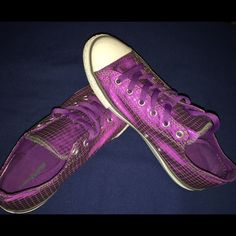 All Star size 6 Just like new Shoes Sneakers