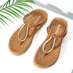 ce93acb839ee SOCOFY Rhinestone Flip Flops Soft Flat Clip Toe Beach Slippers Womens  Slippers