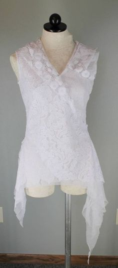 Obstinee by IKA White Asymmetrical Lace Overlay Sleeveless Hoodie Top Size 8 #ikabyObstinee #Blouse
