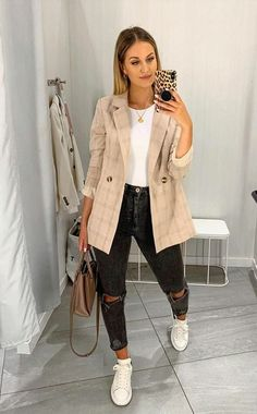 outfits women street chic Look com blazer Business Casual Outfits, Cute Casual Outfits, Fall Outfits, Fashion Outfits, Casual Sneakers Outfit, Casual Ootd, Classy Casual, Hijab Fashion, Style Fashion