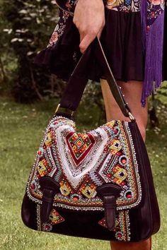 Resort 2017 Roberto Cavalli - EE - nd handbags, ostrich handbags, handbags designer brands Chloe Handbags, Gucci Handbags, Fashion Handbags, My Bags, Purses And Bags, Bags 2017, Patent Leather Handbags, Resort 2017, Beautiful Bags