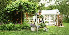 60 vuotta sitten isoäiti kasvatti puutarhassaan vihanneksia myyntiin. Nyt pihapiiri on Reealle ja Arille mielihyvän ja virkistyksen paikka.
