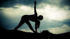 6 Reasons Your Alignment in Yoga Class Matters More than You Think Sky Yoga, Wanderlust Yoga, Yoga Kurse, Yoga Music, Yoga Photos, Yoga Motivation, Beach Yoga, Restorative Yoga, Iyengar Yoga