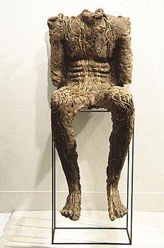 Magdalena Abakanowicz Sculpture Ideas, Soft Sculpture, Magdalena Abakanowicz, Mixed Media Sculpture, 3d Fantasy, Weird And Wonderful, Heart Art, Art Pages, Installation Art
