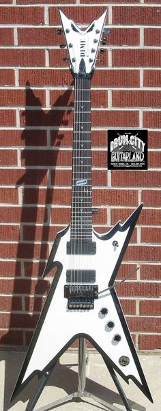 Dean RAZORBACK 7-String 255 White/Black 7-String Electric Guitar