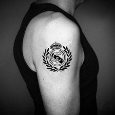 Татуировка с фразой реал мадрид