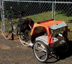Utility Cycling - Child trailer converted to dog trailer - It all folds up to fit in the trunk of the (small) car. Bike Cargo Trailer, Pet Trailer, Utility Trailer, Bike Trailers, Dog Bike Seat, Sidecar, Dog Bike Carrier, Bike Cart, Biking With Dog