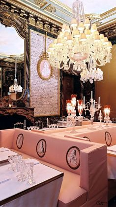 The Cristal Room Paris. Attached to the Baccarat Museum in Paris is this most amazing restaurant; the most beautiful (I would say) in France. Pub Interior, Interior Design, Restaurant Paris, Restaurant Design, Restaurant Lighting, Best Paris Restaurants, Best Cafes In Paris, Classic Restaurant, Furniture Arrangement