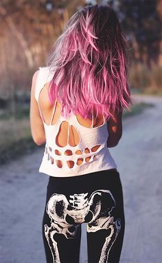 Hipster cut out skull crop top t shirt Pastel Outfit, Pastel Hair, Pastel Goth, Pink Ombre Hair, Pastel Grunge, Alternative Mode, Alternative Fashion, Dark Beauty, Punk Fashion