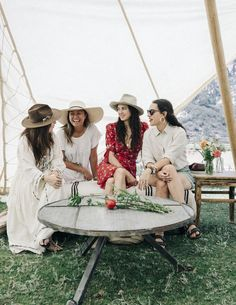 Photography : Tom Story | Tents/Tipis : Under Canvas | Event Planning : Sterling Social | Floral Design : Joni Noe Read More on SMP: http://www.stylemepretty.com/living/2016/10/13/want-to-master-chic-camping-heres-how/