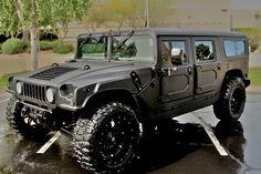 Hummer H1 coated with Inyati Bedliner material
