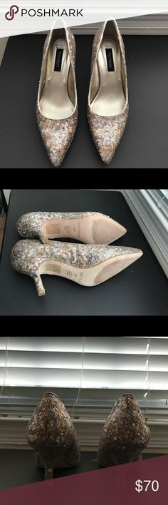 WHBM NWT evening metallic shoes 6.5 WHBM NWT evening metallic shoes size 6.5 White House Black Market Shoes Heels