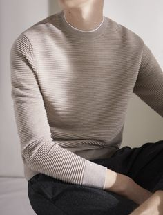 - New light knitwear Knit Fashion, Mens Fashion, Fashion Outfits, Fashion Styles, Der Gentleman, Look Street Style, Black Cardigan, Mens Sweatshirts, Minimalist Fashion