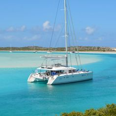 The beauty of BVI is unparalleled. Join us on the British Virgin Islands Catamaran Charter for the luxury vacation of a lifetime!