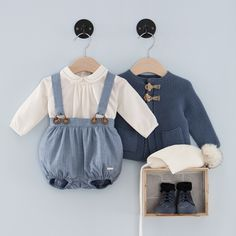 Conjunto L6203095 Baby Outfits, Toddler Outfits, Kids Outfits, Little Boy Fashion, Baby Boy Fashion, Kids Fashion, Vintage Baby Clothes, Cute Baby Clothes, Mode Junior