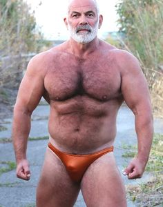 I love hairy men in thongs and wet speedos, muscular men, wet things and much Gays Sexy, Sexy Gay Men, Senior Bodybuilders, Muscle Bear Men, Men's Undies, Bald Man, Chubby Men, Daddy Bear, Muscular Men