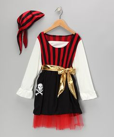 Shiver me timbers! This poufy pirate dress is lined with layers of tulle. Paired with the matching handkerchief and golden sash, it's all ready to sail the seven seas of pretend play.