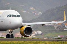 @Vueling Airlines A320 sharklets entrando en rw30 de Tenerife Norte.