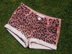 Unos shorts muy felinos