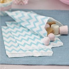 These gorgeous striped chevron candy bags are perfect for your next party or candy bar.They are ideal to combine with our Chevron Divine range! Chevron Bleu, Green Chevron, Chevrons, Mint Green, Wedding Favours Ireland, Papel Chevron, Pastell Party, Paper Party Bags, Bonbon